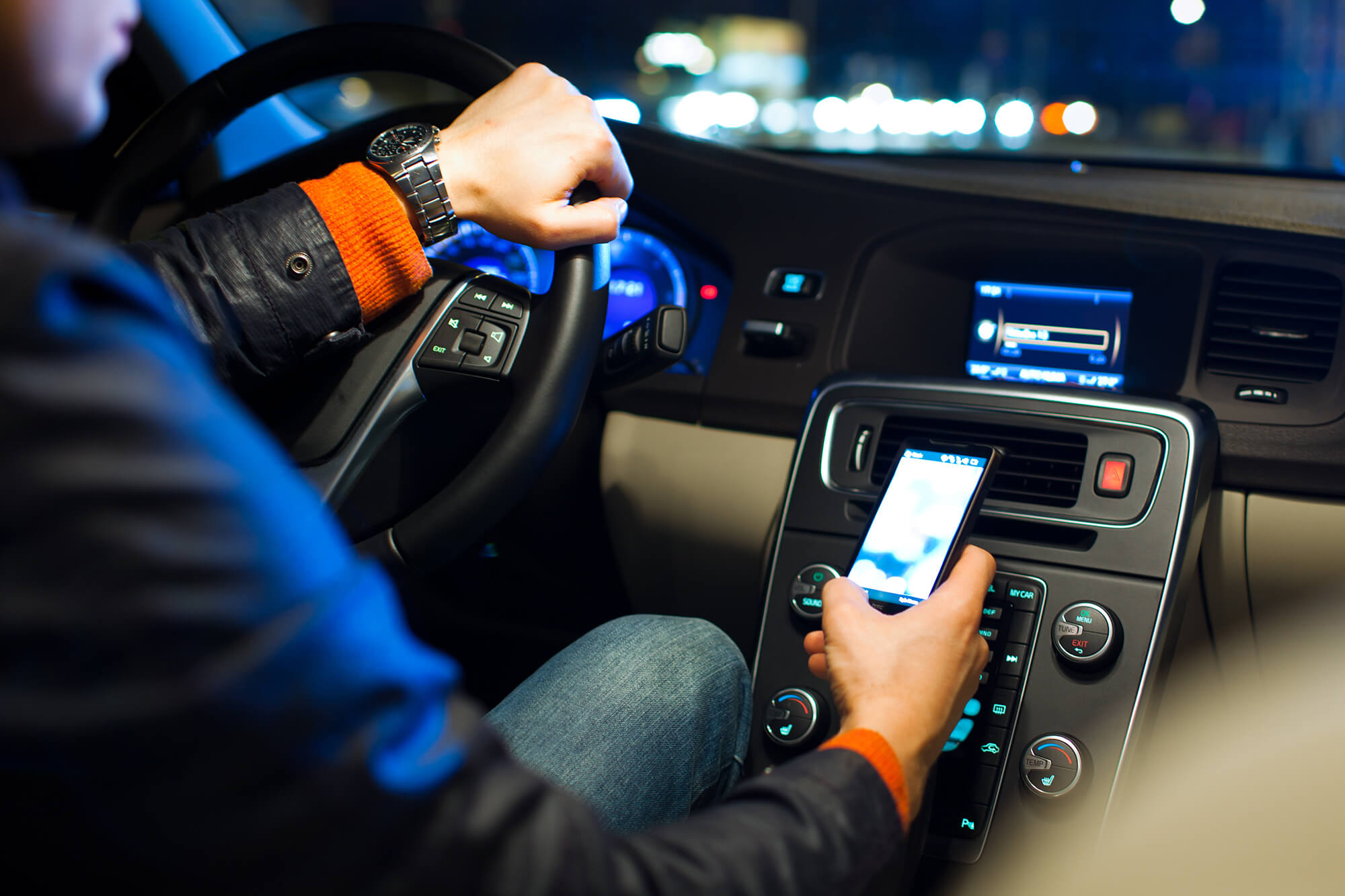 10 Essential Music Tracks for Night Driving   Instant Windscreens
