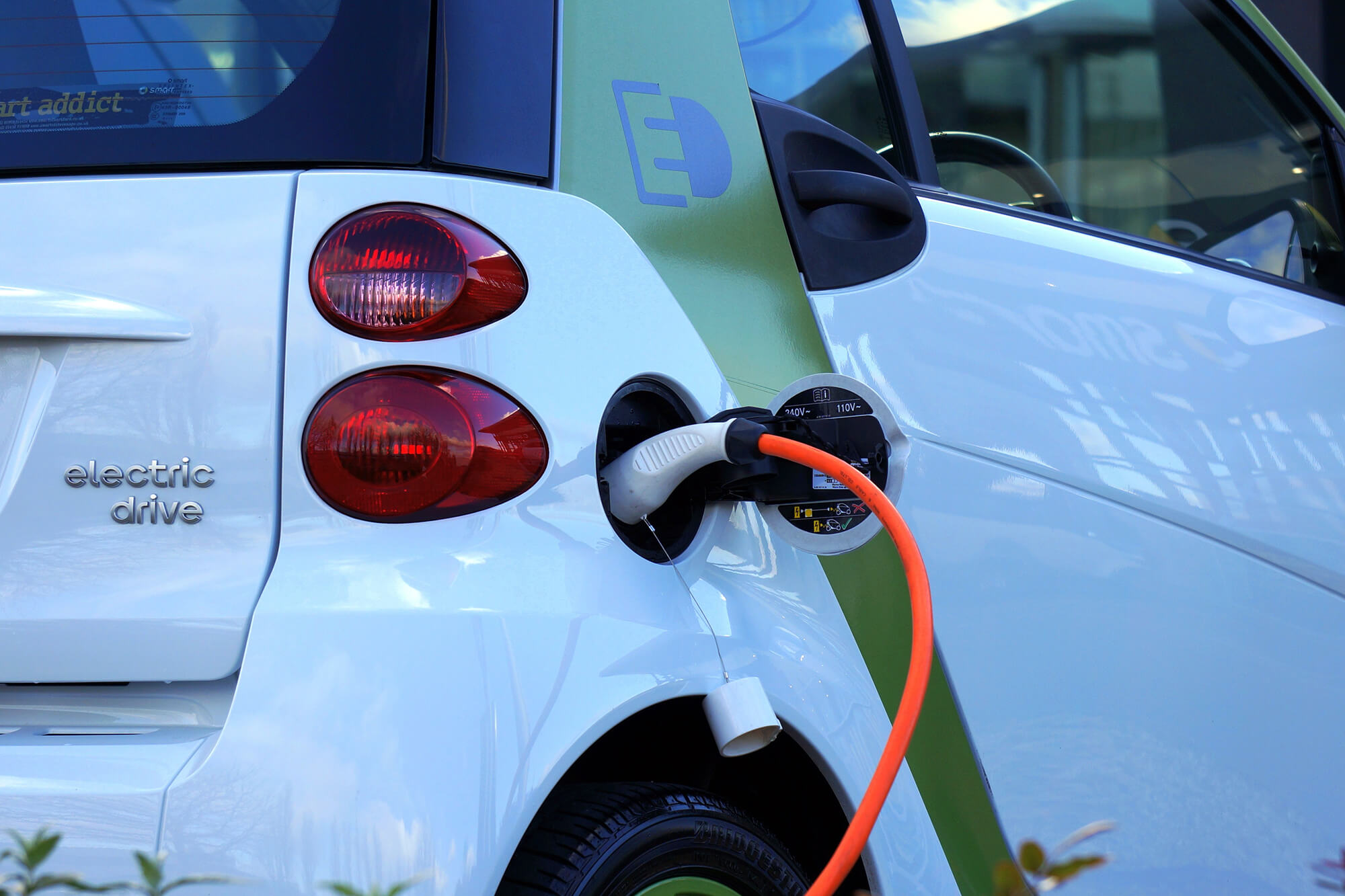 Your Guide to Buying A Green Vehicle   Instant Windscreens