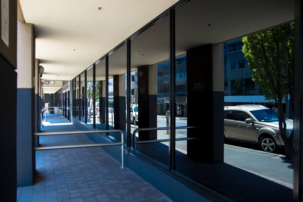 5 Great Benefits of Tinted Office Windows | Instant Windscreens