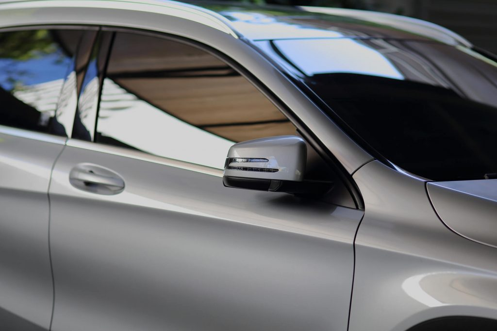Know Your Options When Deciding to Tint a Car Window | Instant Windscreens