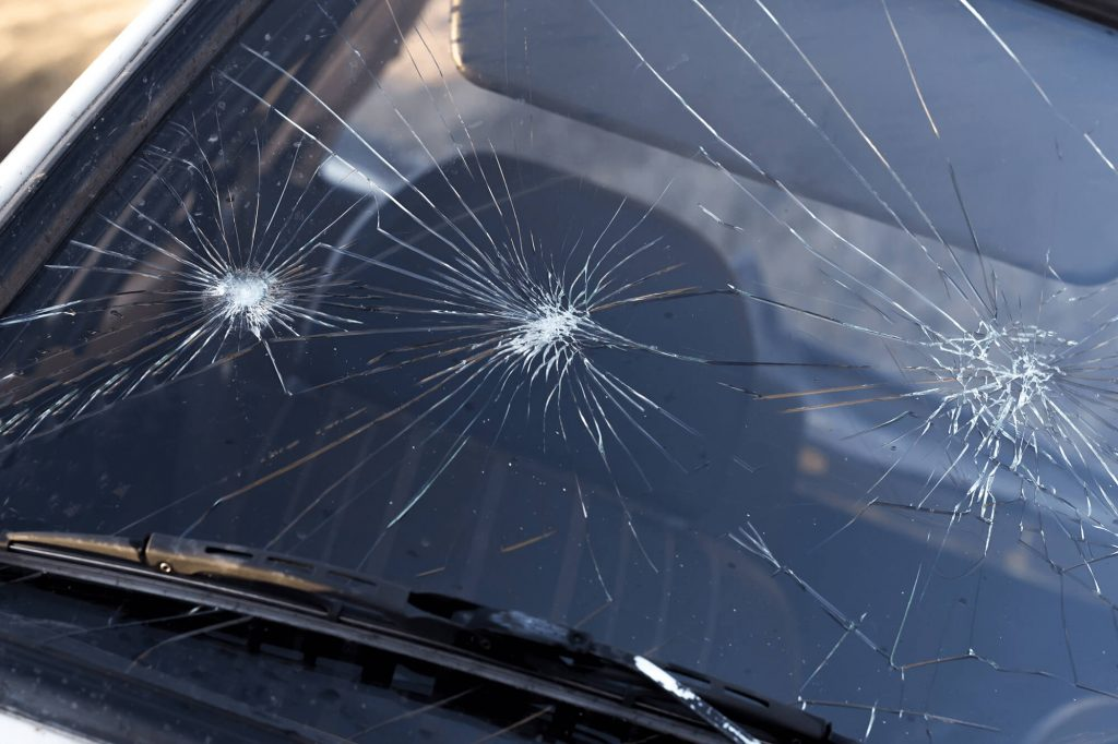 Signs That Your Windscreen Needs to be Replaced | Instant Windscreens