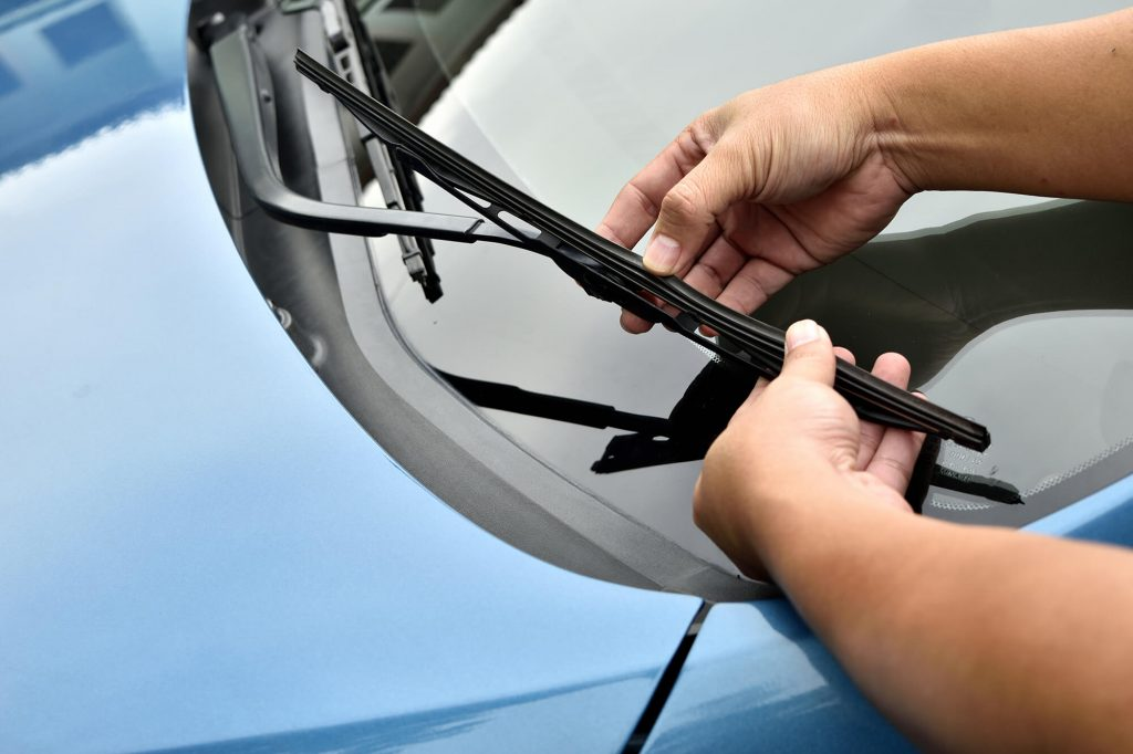 How You Damage Your Windscreen without Realising It | Instant Windscreens