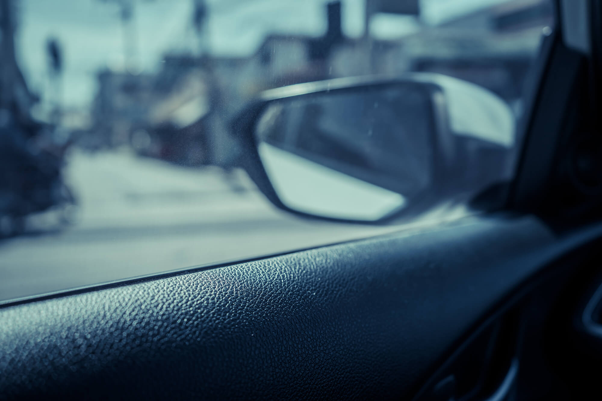 5 Reasons Why You Should Tint Your Car Windows | Instant Windscreens
