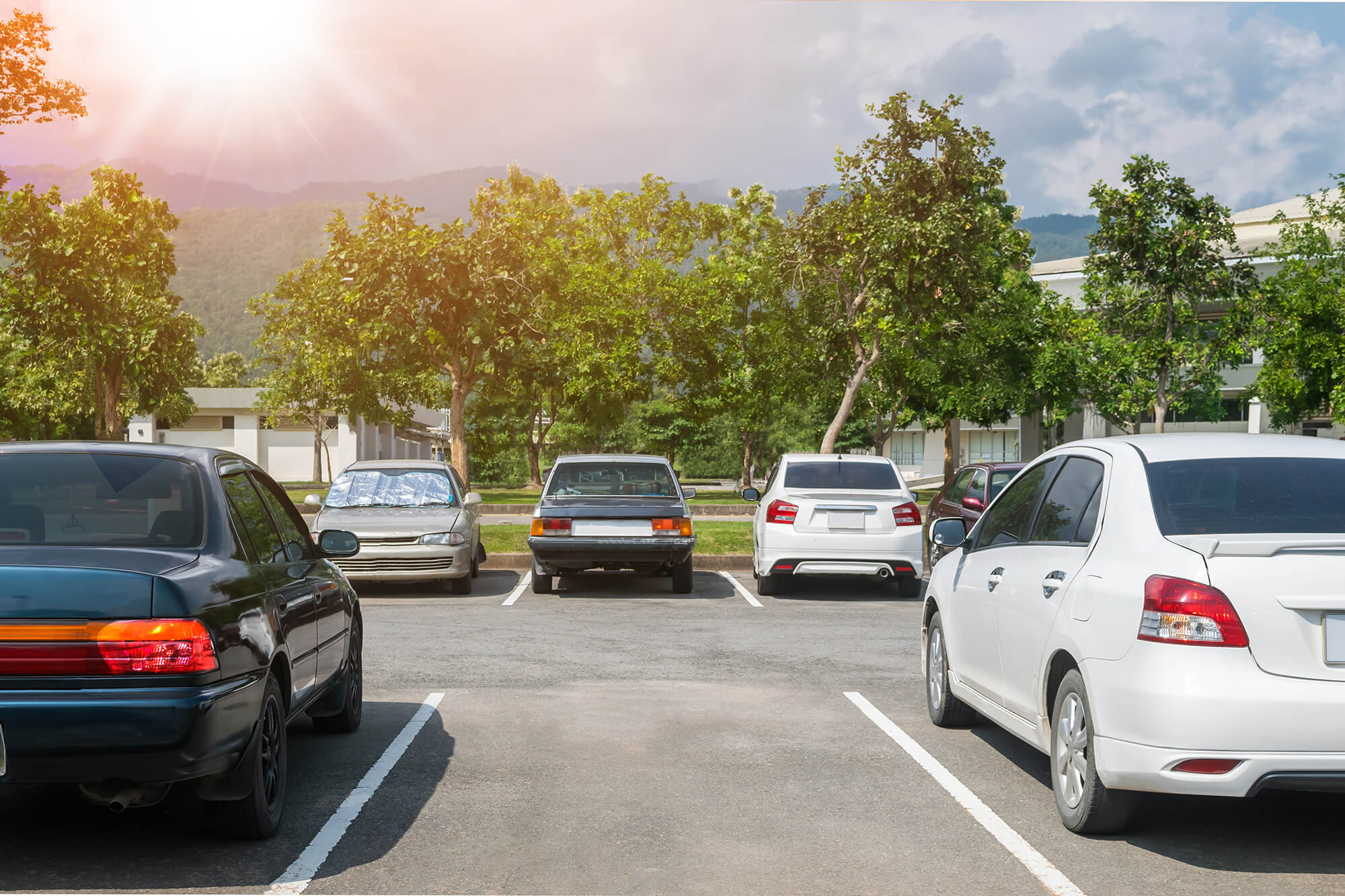 Four Common Hazards of Parking Outdoors | Instant Windscreens