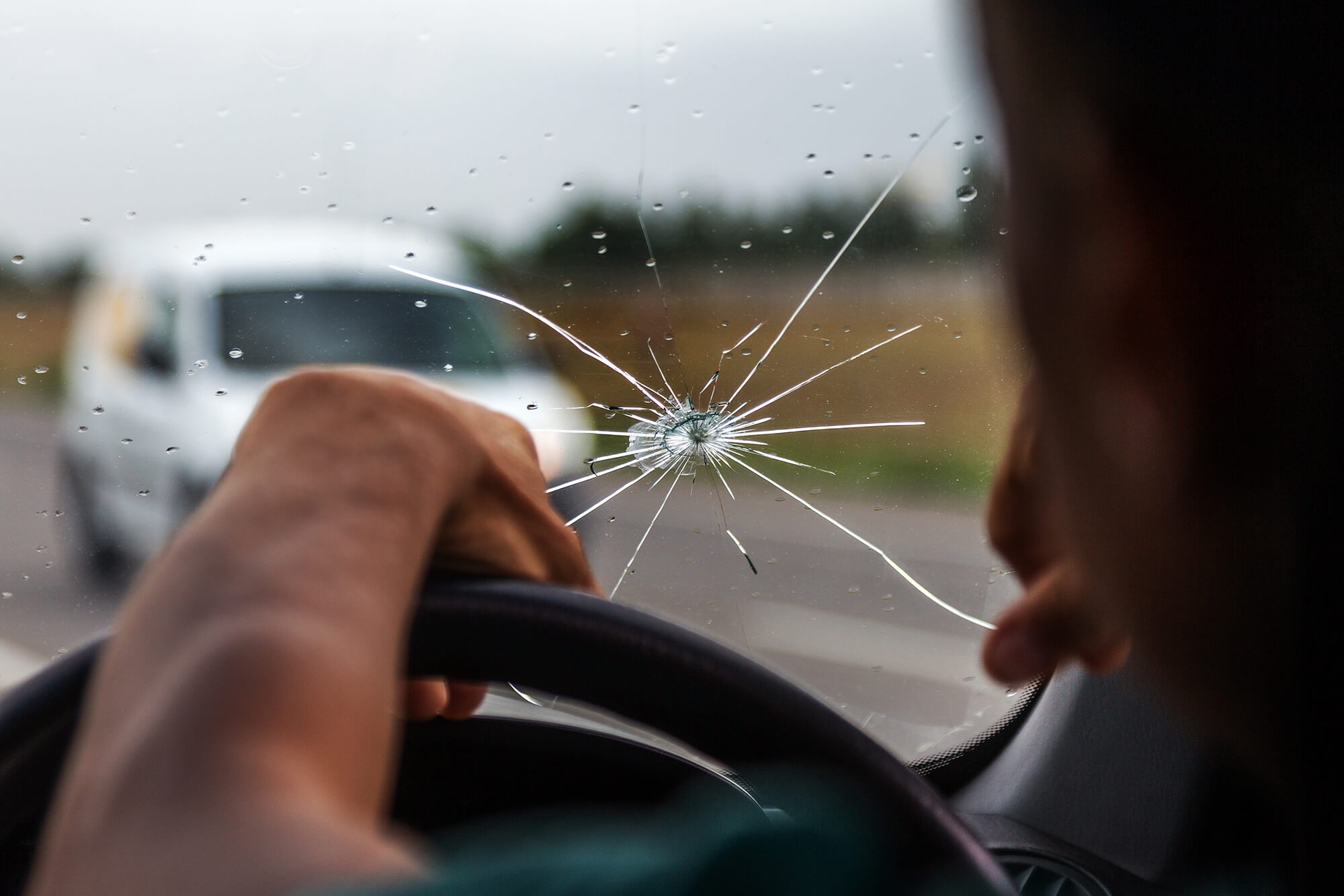 Why Mobile Car Window Repair & Windscreen Replacement Is Not Always the Best Option | Instant Windscreens