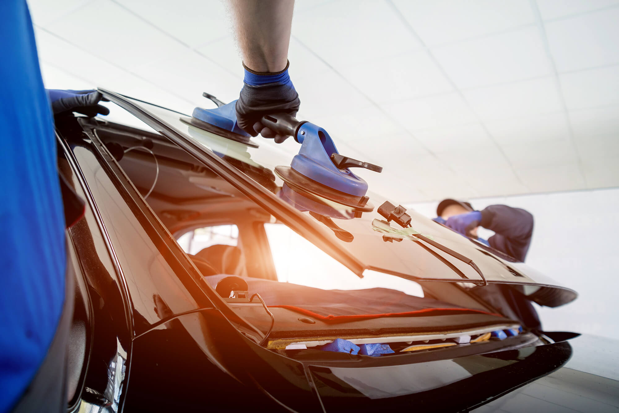 What to Look for in an Auto Glass Replacement and Repair Company | Instant Windscreens