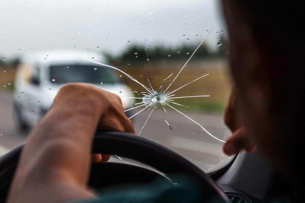 Does a Chipped Windscreen Fail a WoF - Instant Windscreens